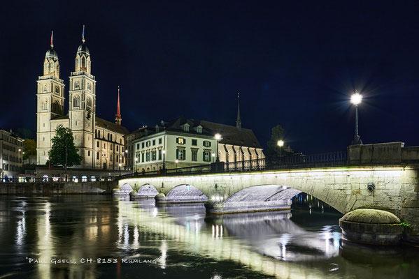 Zürich - beleuchtete Münsterbrücke - #1967_2