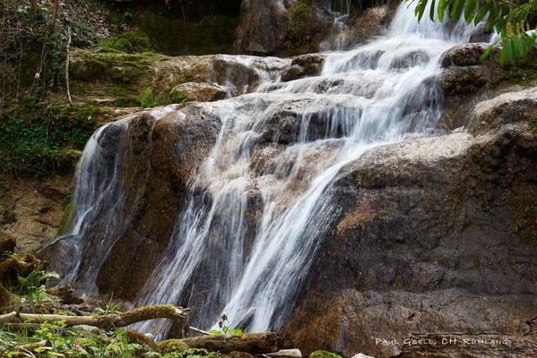 Kleiner Wasserfall beim Dorfbach im Erlenbacher Tobel