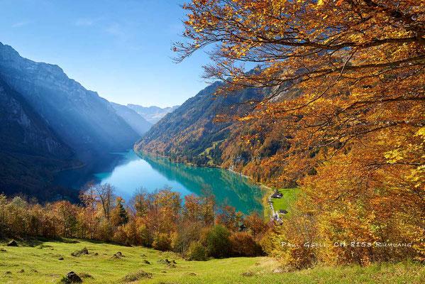 Herbstzauber am Klöntalersee