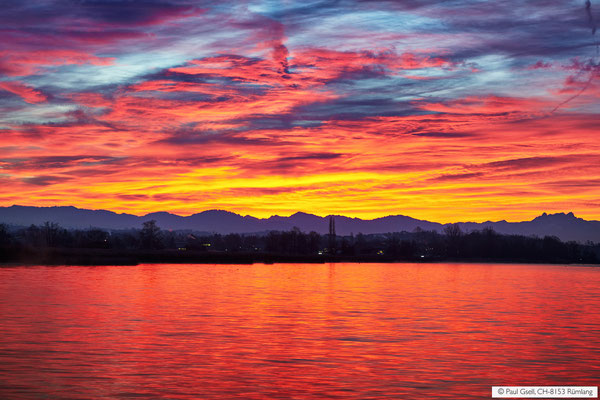 Morgenrot über Greifensee