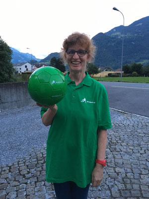 Lilian mit dem neuen Ball :)