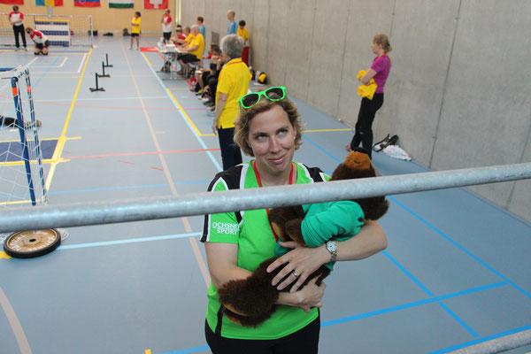 Vize-Coach Daniela mit Maskottchen