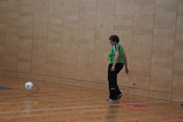 Schiedsrichterin Lisbeth im Einsatz