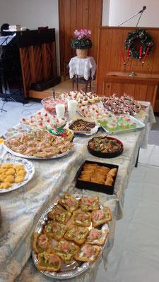 祝会には、各自食事を持ち寄りで、おいしく頂きました。