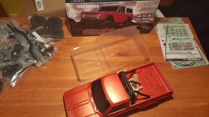 MST CMX Ford Bronco Größenvergleich #1