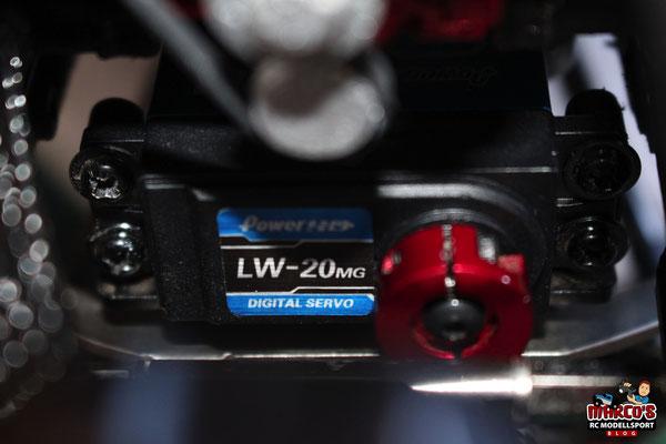 Power HD LW-20MG Servo verbaut im Axial SCX10