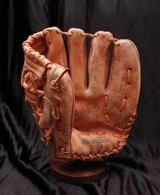 Antiguo guante de béisbol / 60s / Old baseball glove
