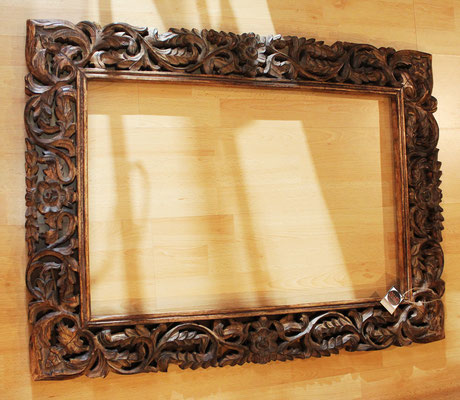 Marco indonesio en madera tallada / Indonesian carved wood frame