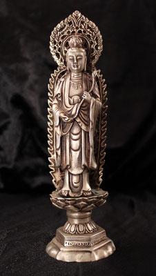 Preciosa Kwan-yin en plata tibetana