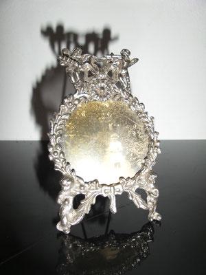 Antiguo portaretratos en plata