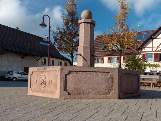 Altenburg, Dorfbrunnen.