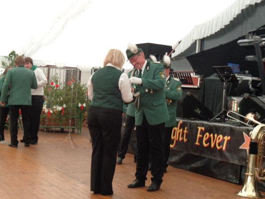 Auch die Schützendamen erhielten Auszeichnungen - Katrin Tieke