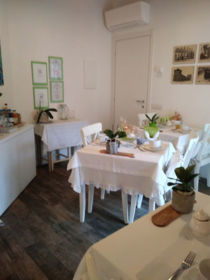 Saletta Colazioni | B&B Residenza Iris Trento