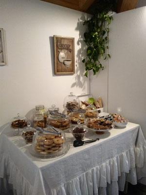 Saletta Colazioni - Angolo Buffet | B&B Residenza Iris Trento