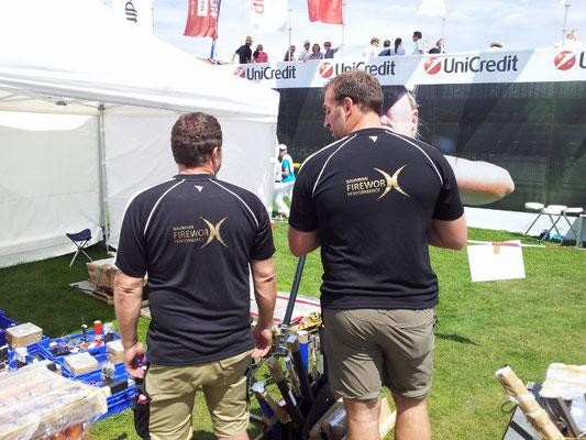 Bavarian Fireworx Performance Team von hinten