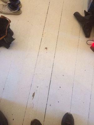 Dielen mit Ochsenblut schleifen Lausitzer Strasse Kreuzberg Berlin