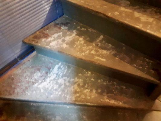 Treppe schleifen Andernacher Strasse Karlshorst Berlin