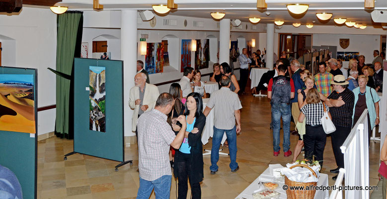 """Vernissage """"Zwischen Zensur und Freiheit"""" in Bisamberg"""