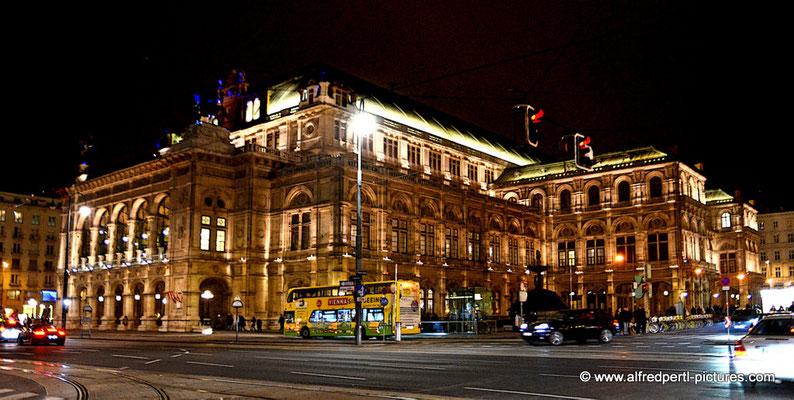 Impressionen von Wiener Adventmärkten - Wiener Staatsoper