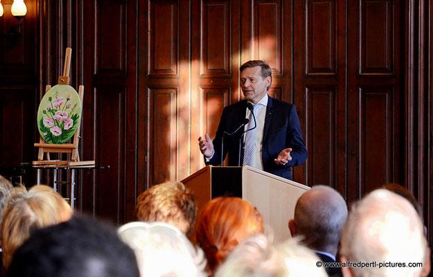 Mag. Armand A. Drobesch (Vorstandsvorsitzender Sparkasse Korneuburg) - Vernissage 11. Korneuburger Kunstkilometer im Korneuburger Rathaus