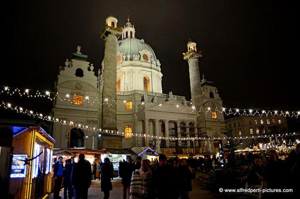Impressionen von Wiener Adventmärkten - Karlsplatz