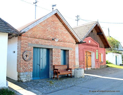 """Kellergasse in Zellerndorf (""""Maulavern"""")"""