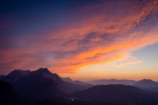 Lautersee, Wettersteingebirge und Zugspitze im Abendlicht