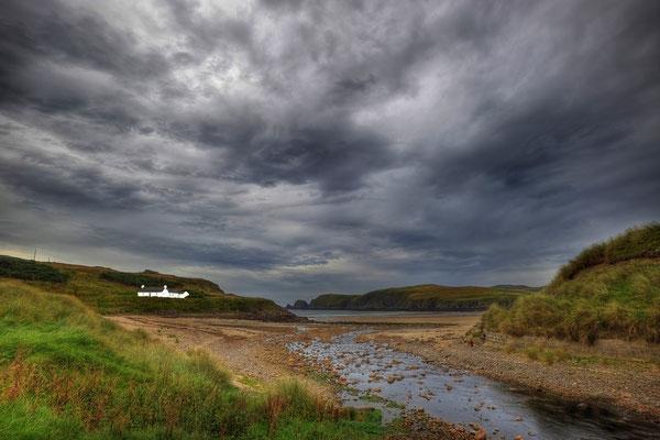 Einsames Haus an der Küste / Schottland (Bildnummer 110930_1063)