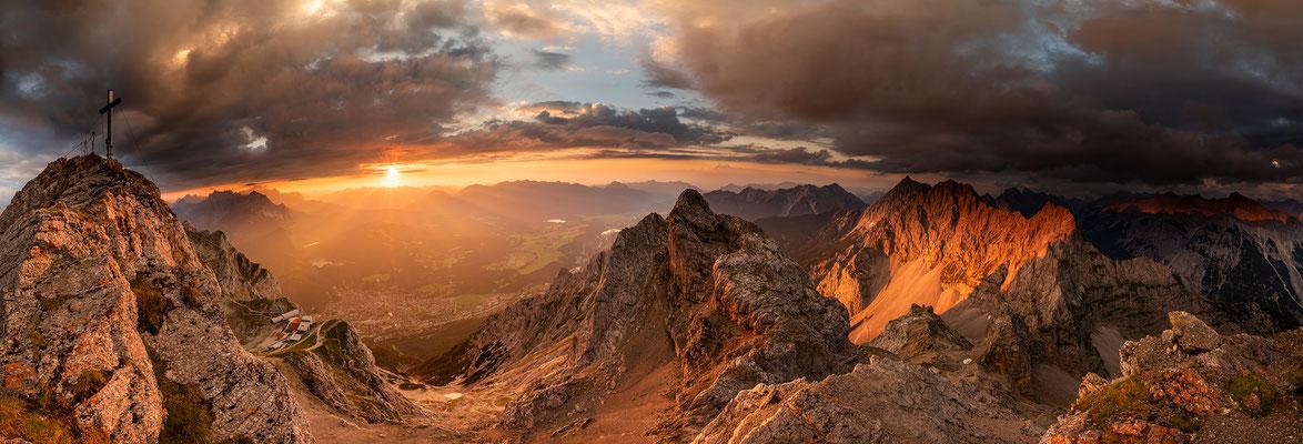 Sonnenuntergang im Werdenfelser Land, westl. Karwendelspitze / Deutschland (Bildnummer 180727)