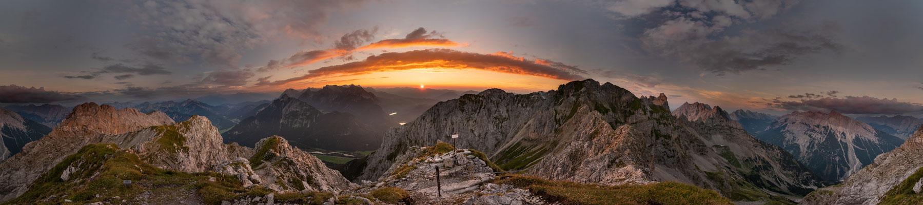 Sonnenuntergang von der Linderspitze im Karwendel / Deutschland (Bildnummer 180729)