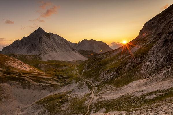 Sonnenuntergang im Karwendel nahe der Rumer Spitze / Österreich (Bildnummer 7883-2)