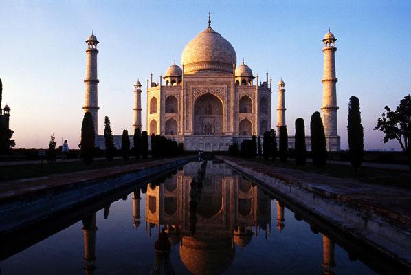 Spiegelung des Taj Mahal / Indien (Bildnummer 22228)