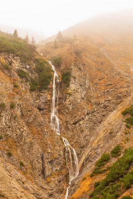 Herbstlicher Wasserfall im Karwendel I