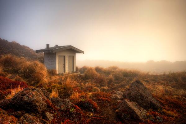 Klohaus im nirgendwo, Tongariro / Neuseeland (Bildnummer 6001)