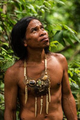 Snake Man im Gunung Leuser National Park / Indonesien (Bildnummer 753603)
