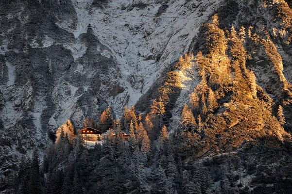 Mittenwalderhütte im winterlichen Abendlicht / Deutschland (Bildnummer 7001195)