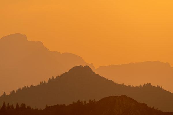 Blick gen Garmisch und Estergebirge I
