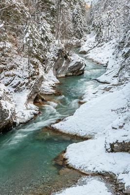 Rissbach im Schnee