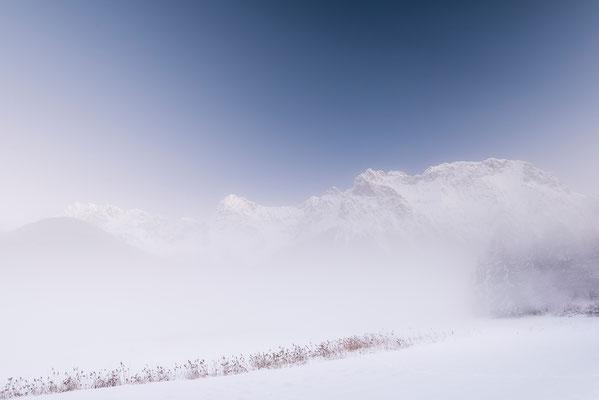Nebel am Schmalensee mit Karwendel im Hintergrund (Bildnummer 8814)