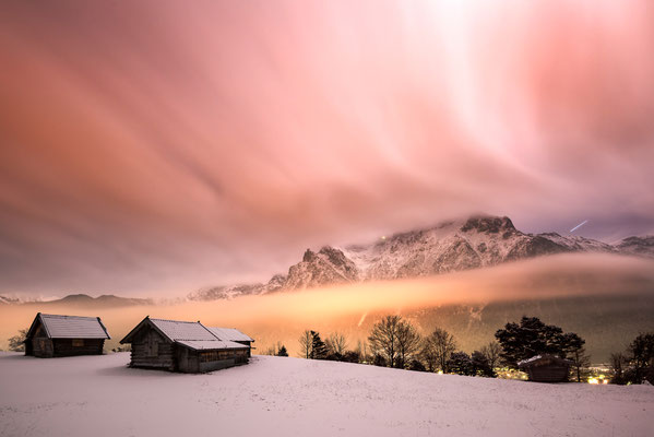 Nächtliche Langzeitbelichtung des winterlichen Karwendels, oberhalb von Mittenwald / Deutschland (Bildnummer 2976)