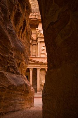 Blick durch die Felsen in Petra / Jordanien (Bildnummer 101009_2014)
