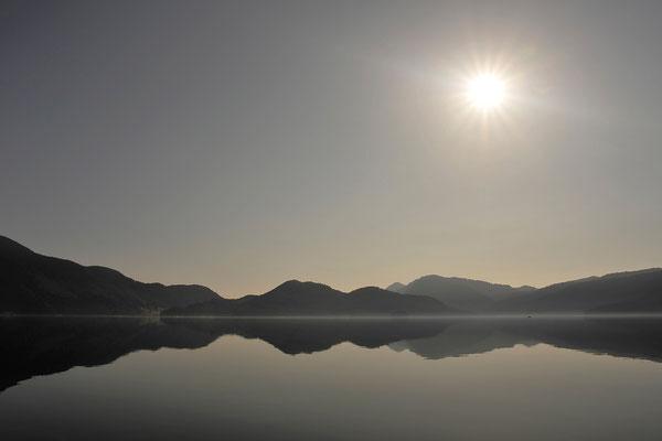 Spiegelung am Walchensee / Deutschland (Bildnummer 100408)