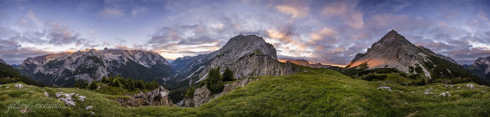 Sonnenuntergang mitten im Karwendel / Tirol (Bildnummer Z702408)