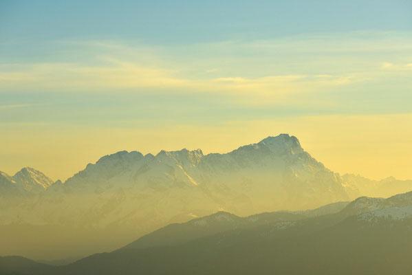 Zugspitze im goldenen Abendlicht / Deutschland (Bildnummer 758138)