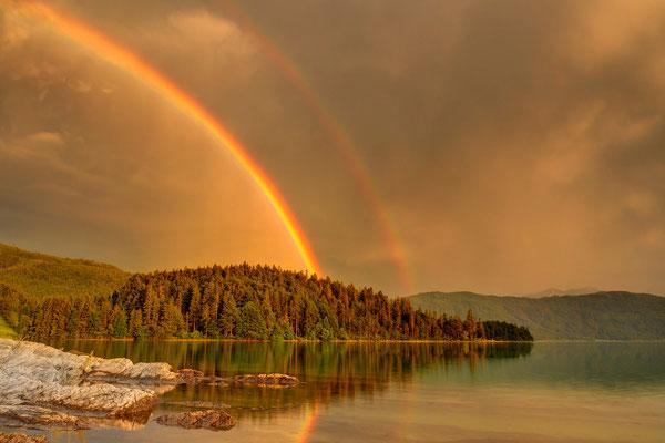 Regenbogen am Walchensee / Deutschland (Bildnummer 130702_1031)