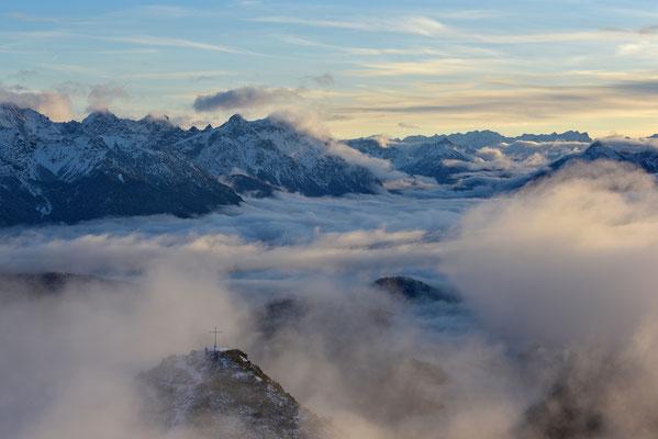 Abendstimmung am Martinskopf mit Blick zum Karwendel/ Deutschland (Bildnummer 754992)