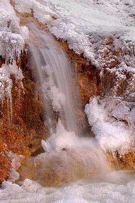 Kleiner Wasserfall am Walchenbach / Deutschland (Bildnummer 5057)