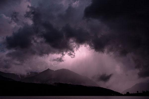 Unwetter und Blitz über dem Herzogstand