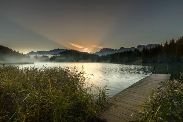 Kurz vor Sonnenaufgang am Geroldsee / Deutschland (Bildnummer 8030)