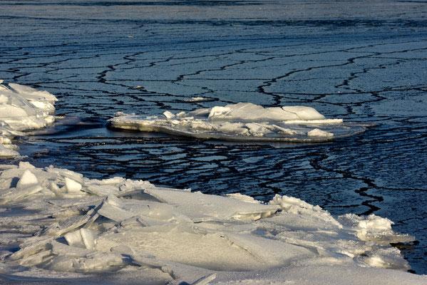 Eisscholle auf der Ostsee / Deutschland (Bildnummer 755712)